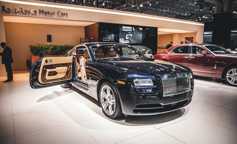 the luxurious rolls royce wraith