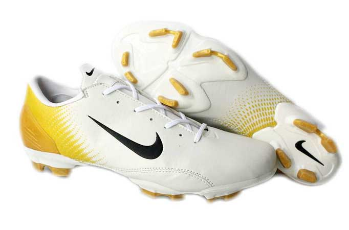 Top 5 Best Soccer Cleats Ever in the World