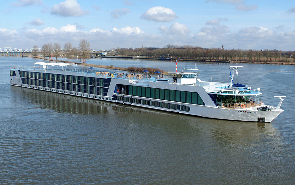 Top 3 Luxurious Suits of River Cruise