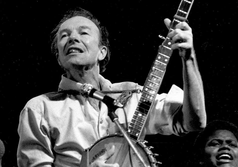 Top 3 Essential Folk Music Singer Songwriters