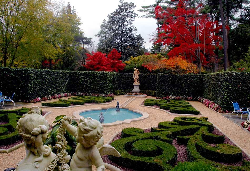 Top 3 Most Luxurious Gardens Around the World