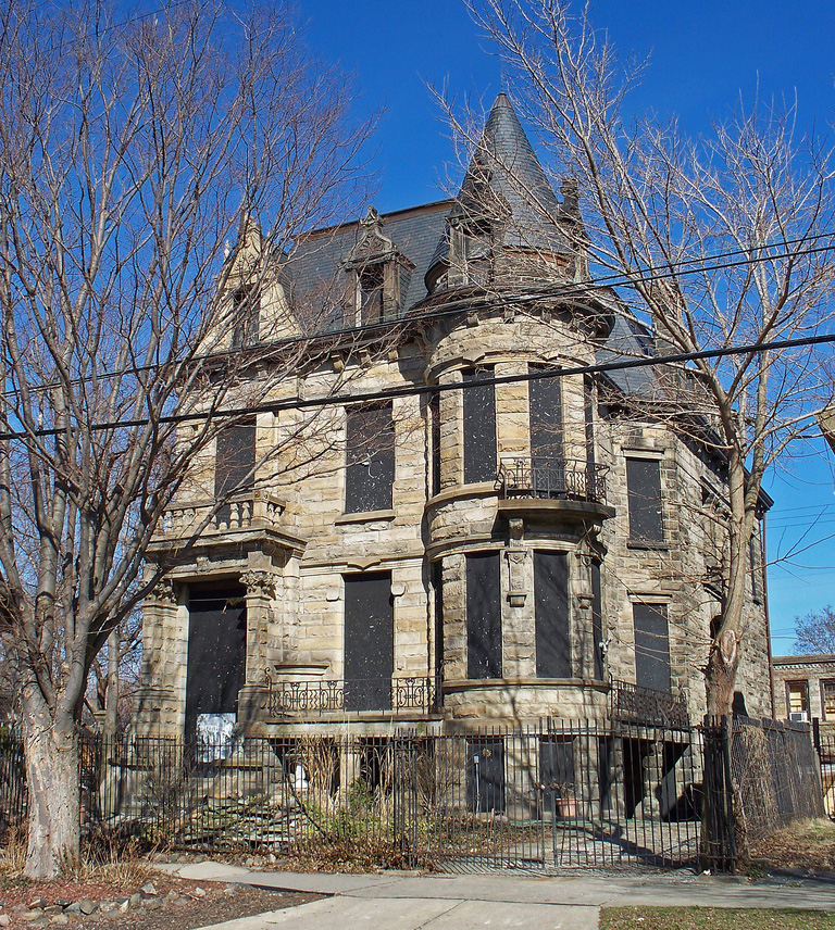 Top 3 Most Haunted Houses in America