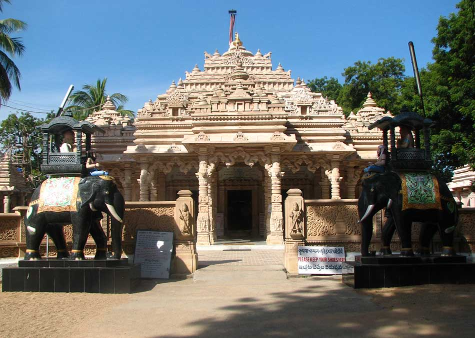 Top Three Most Amazing Jain Temples in India